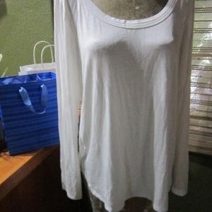 NWT SOFT WHITE LONG SLEEVE TOP!